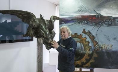 Cristino expone su obra en la sede de la FAE.
